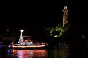 palm-beach-boat-parade-yacht-charter